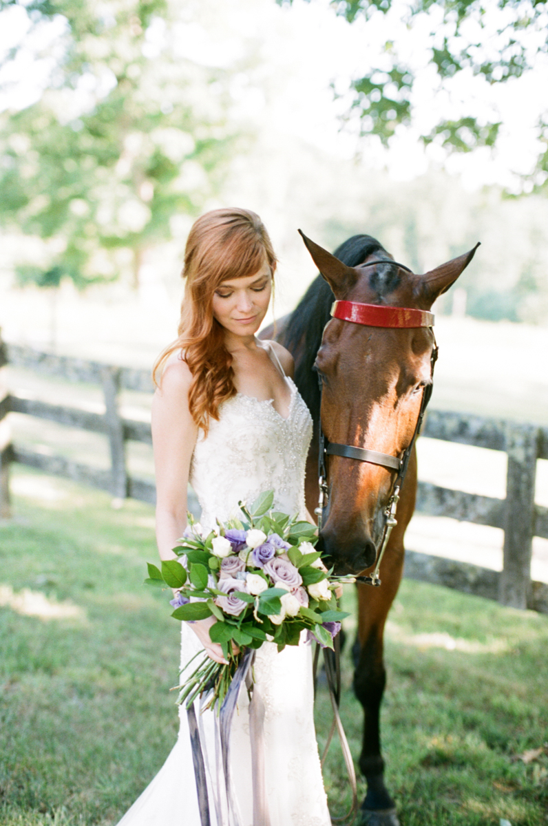 Abby_Elizabeth_Knoxville_Wedding_Photography_Horse_Boho_Bride_Bjorvala_Farms_red_Hair (20 of 63).jpg