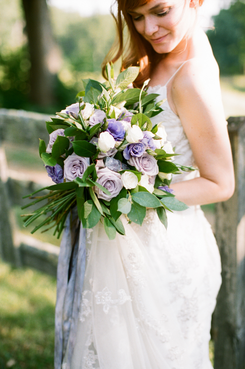 Abby_Elizabeth_Knoxville_Wedding_Photography_Horse_Boho_Bride_Bjorvala_Farms_red_Hair (25 of 63).jpg