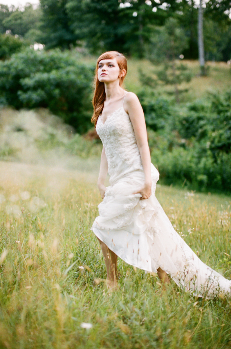 Abby_Elizabeth_Knoxville_Wedding_Photography_Horse_Boho_Bride_Bjorvala_Farms_red_Hair (31 of 63).jpg