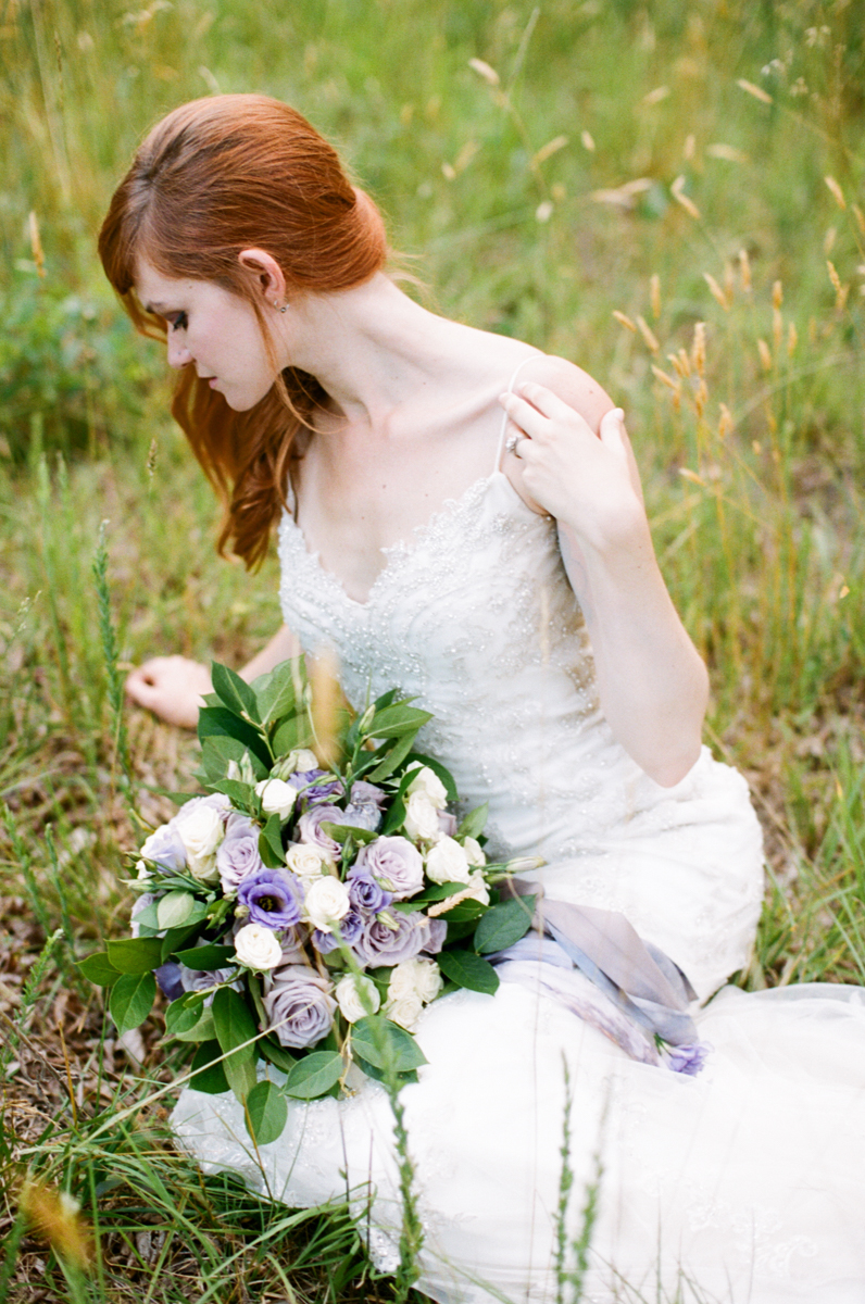 Abby_Elizabeth_Knoxville_Wedding_Photography_Horse_Boho_Bride_Bjorvala_Farms_red_Hair (30 of 63).jpg