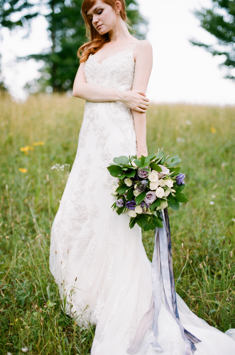 Abby_Elizabeth_Knoxville_Wedding_Photography_Horse_Boho_Bride_Bjorvala_Farms_red_Hair (32 of 63).jpg