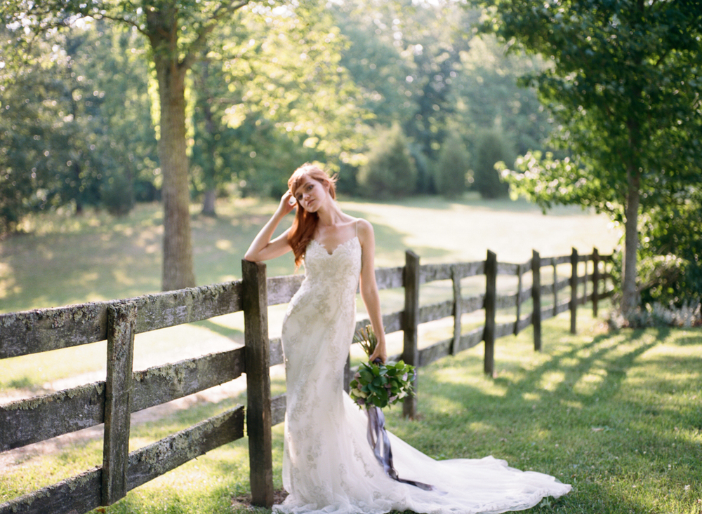Abby_Elizabeth_Knoxville_Wedding_Photography_Horse_Boho_Bride_Bjorvala_Farms_red_Hair (36 of 63).jpg