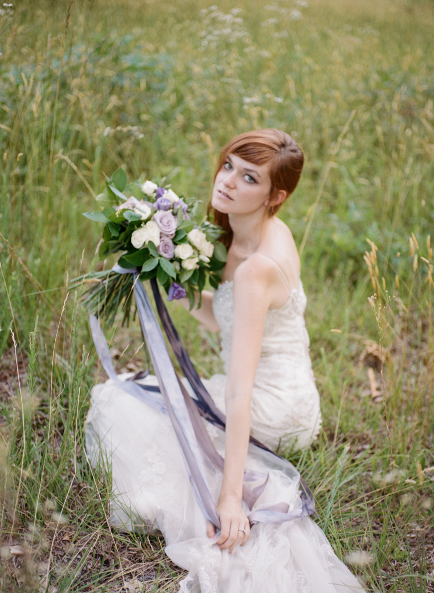 Abby_Elizabeth_Knoxville_Wedding_Photography_Horse_Boho_Bride_Bjorvala_Farms_red_Hair (39 of 63).jpg
