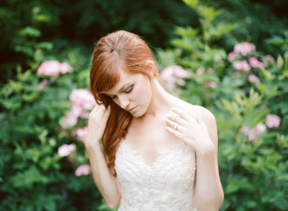 Abby_Elizabeth_Knoxville_Wedding_Photography_Horse_Boho_Bride_Bjorvala_Farms_red_Hair (41 of 63).jpg