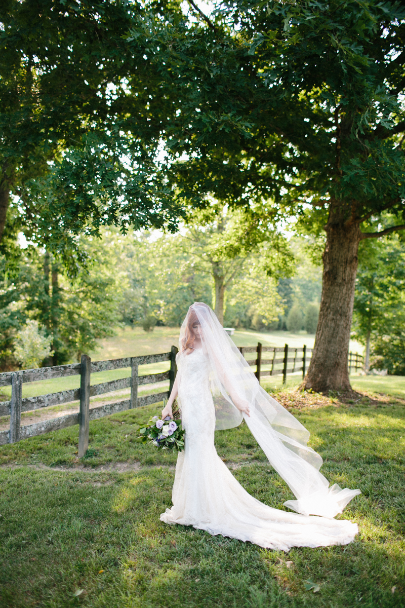 Abby_Elizabeth_Knoxville_Wedding_Photography_Horse_Boho_Bride_Bjorvala_Farms_red_Hair (46 of 63).jpg