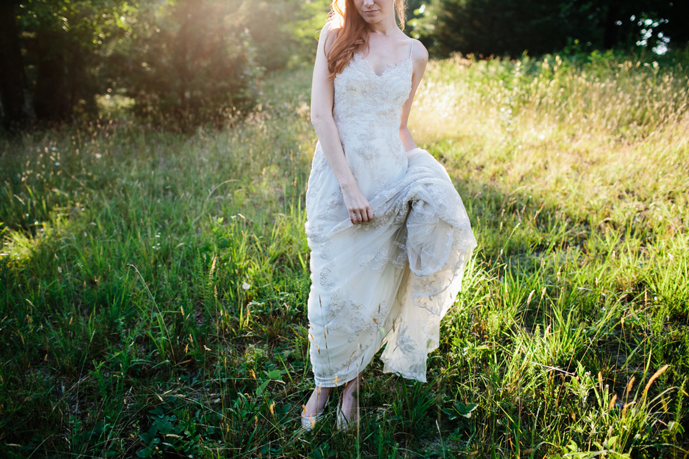 Abby_Elizabeth_Knoxville_Wedding_Photography_Horse_Boho_Bride_Bjorvala_Farms_red_Hair (58 of 63).jpg