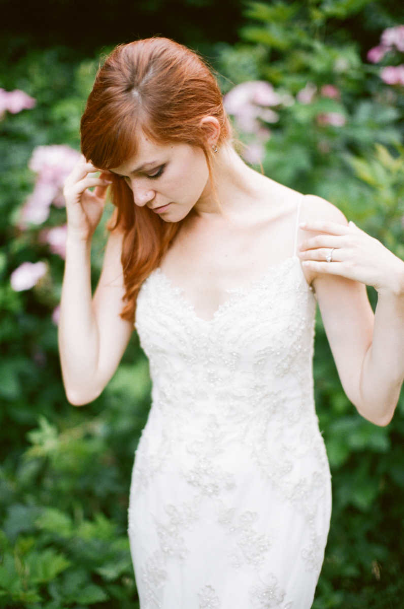 Abby_Elizabeth_Knoxville_Wedding_Photography_Horse_Boho_Bride_Bjorvala_Farms_red_Hair (33 of 63).jpg