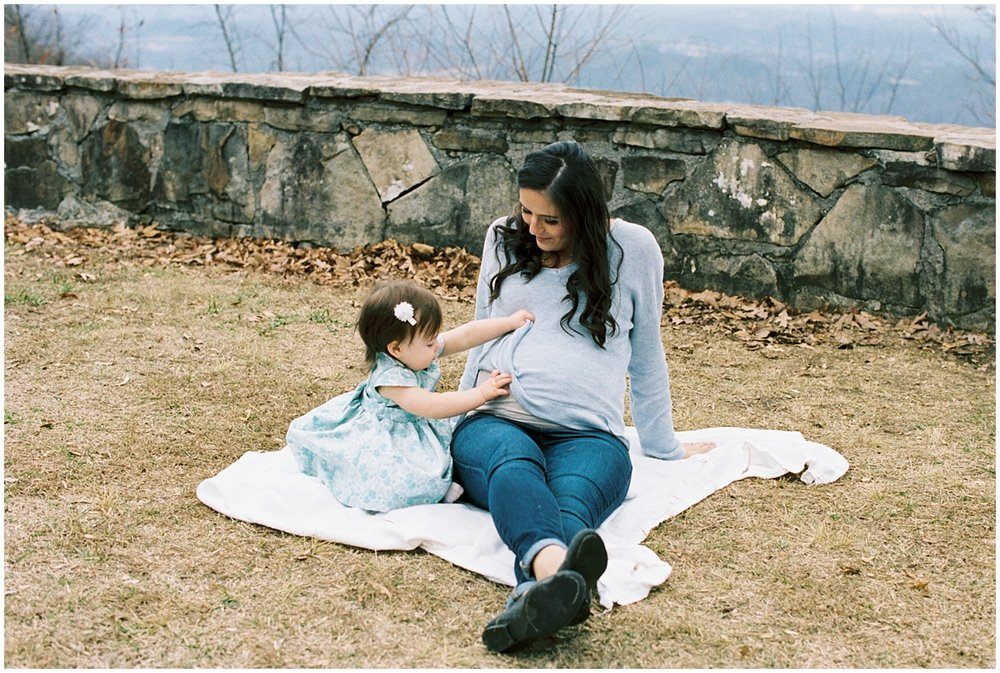 Abigail_Malone_Film_Family_Photography_Knoxville_Tennessee_Nashville__Chattanooga_Maternity_Lookout_Mountain_0022.jpg