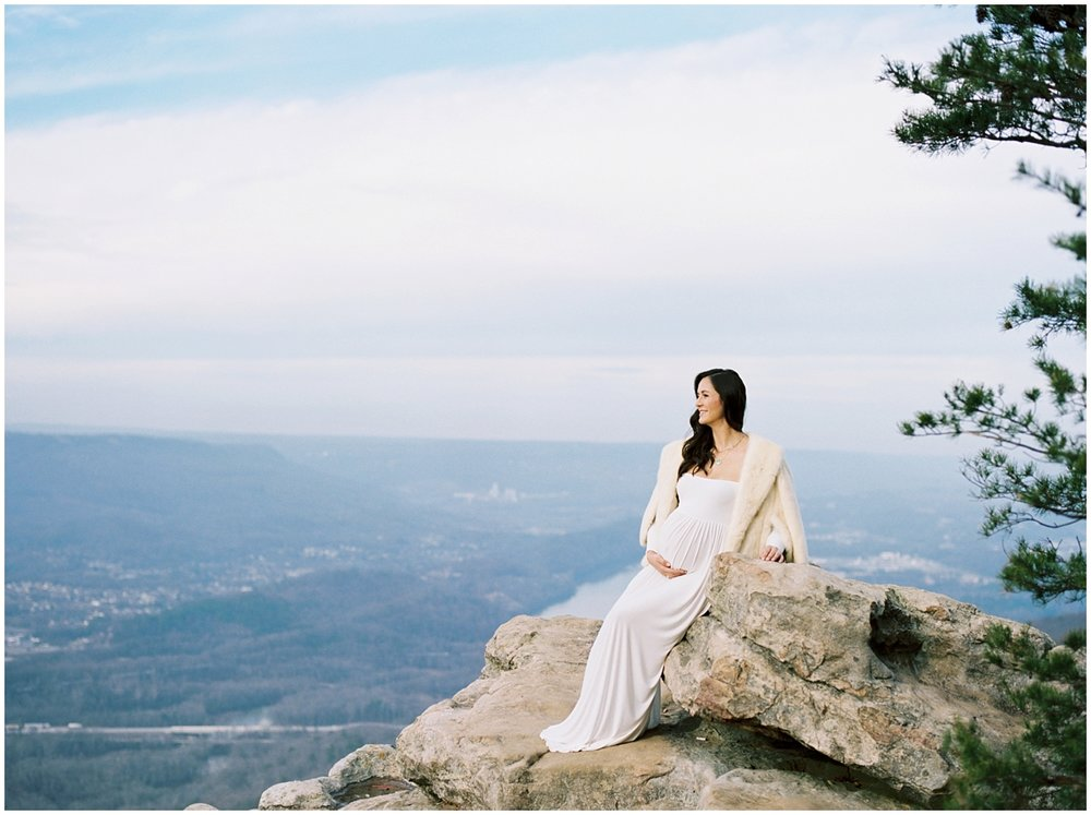 Abigail_Malone_Film_Family_Photography_Knoxville_Tennessee_Nashville__Chattanooga_Maternity_Lookout_Mountain_0017.jpg