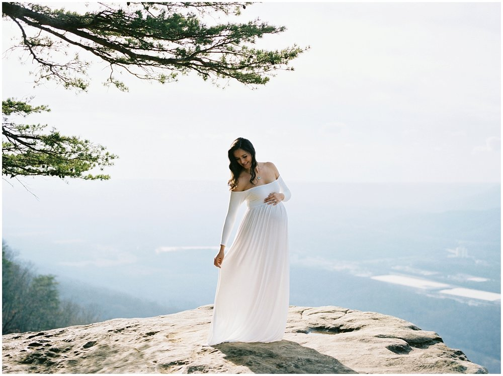 Abigail_Malone_Film_Family_Photography_Knoxville_Tennessee_Nashville__Chattanooga_Maternity_Lookout_Mountain_0011.jpg