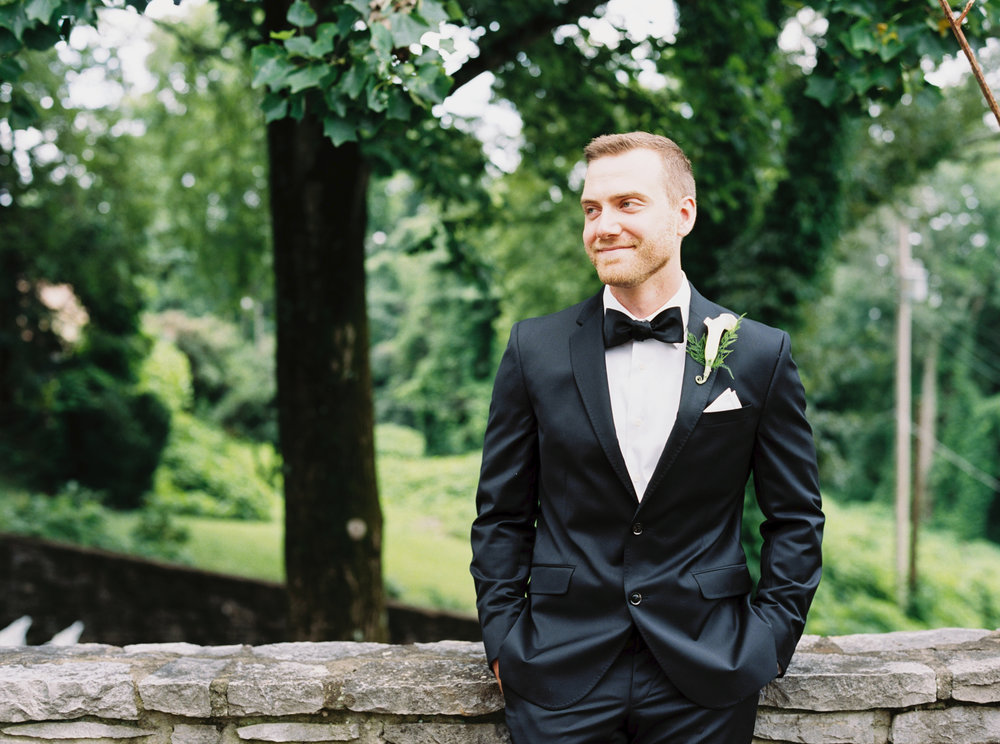 Katie_Matt_Wedding_Knoxville_Botanical_Garden_Abigail_Malone_photography-23.jpg