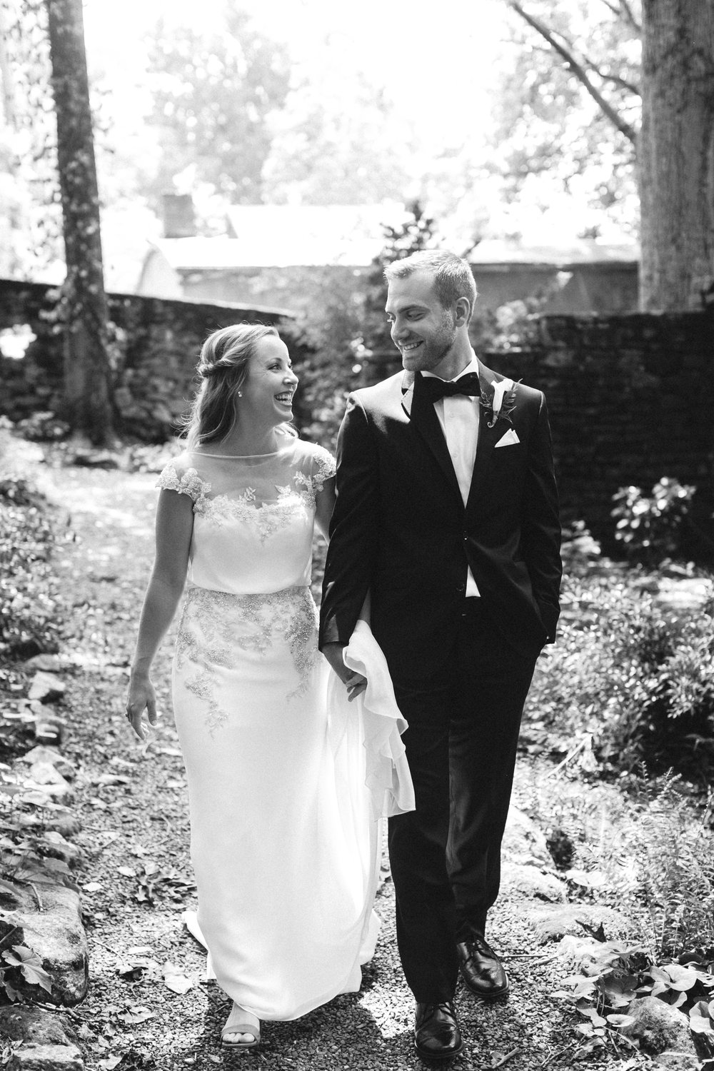 Katie_Matt_Wedding_Knoxville_Botanical_Garden_Abigail_Malone_photography-85.jpg