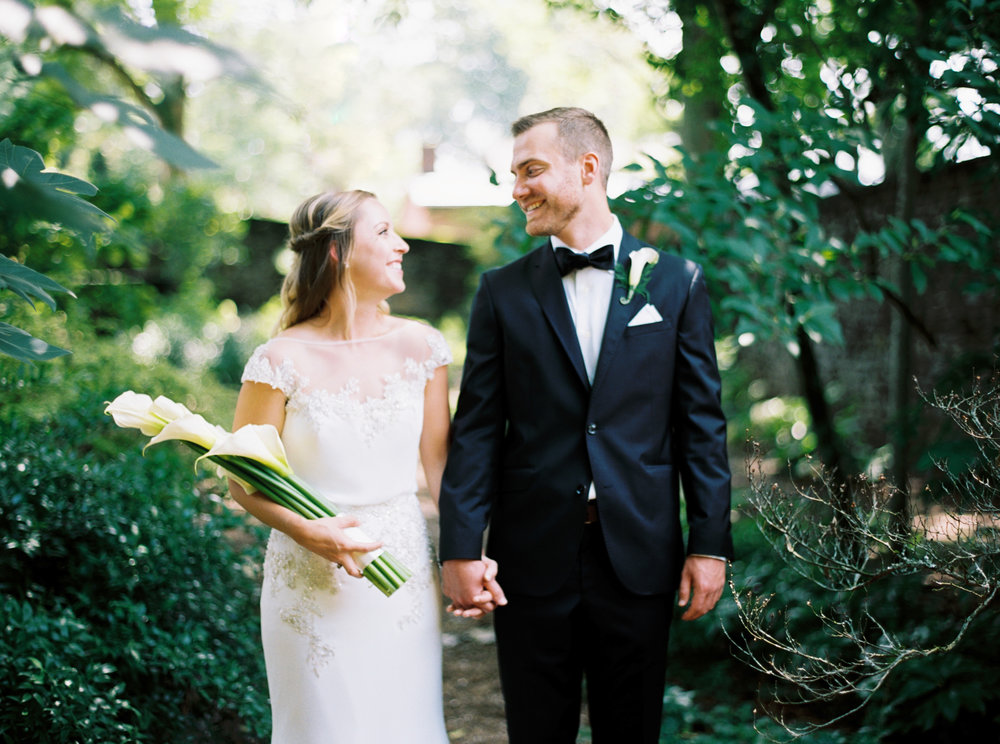 Katie_Matt_Wedding_Knoxville_Botanical_Garden_Abigail_Malone_photography-94.jpg