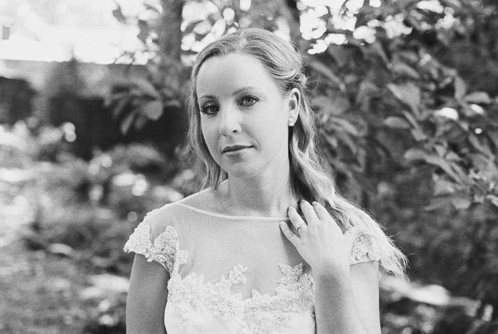 Katie_Matt_Wedding_Knoxville_Botanical_Garden_Abigail_Malone_photography-106.jpg