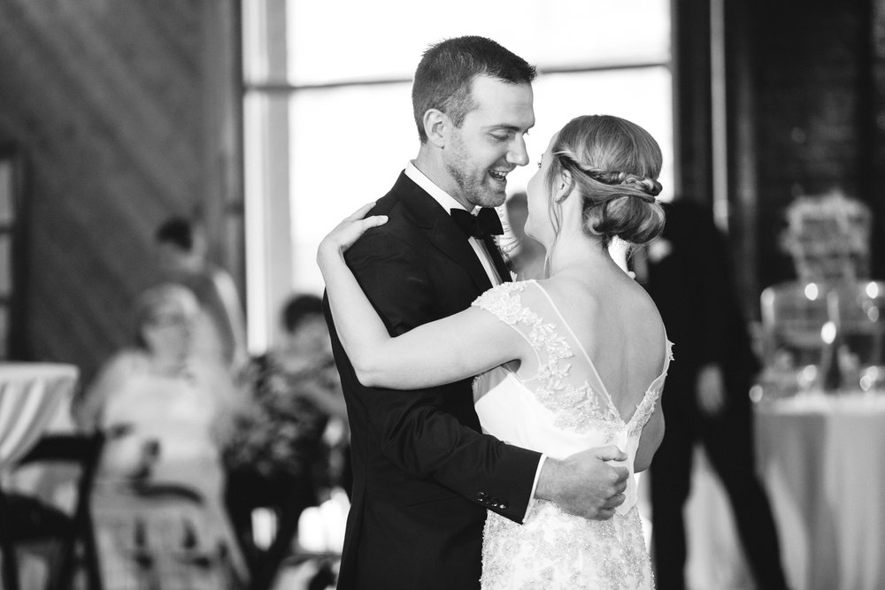 Katie_Matt_Wedding_Knoxville_Botanical_Garden_Abigail_Malone_photography-398.jpg