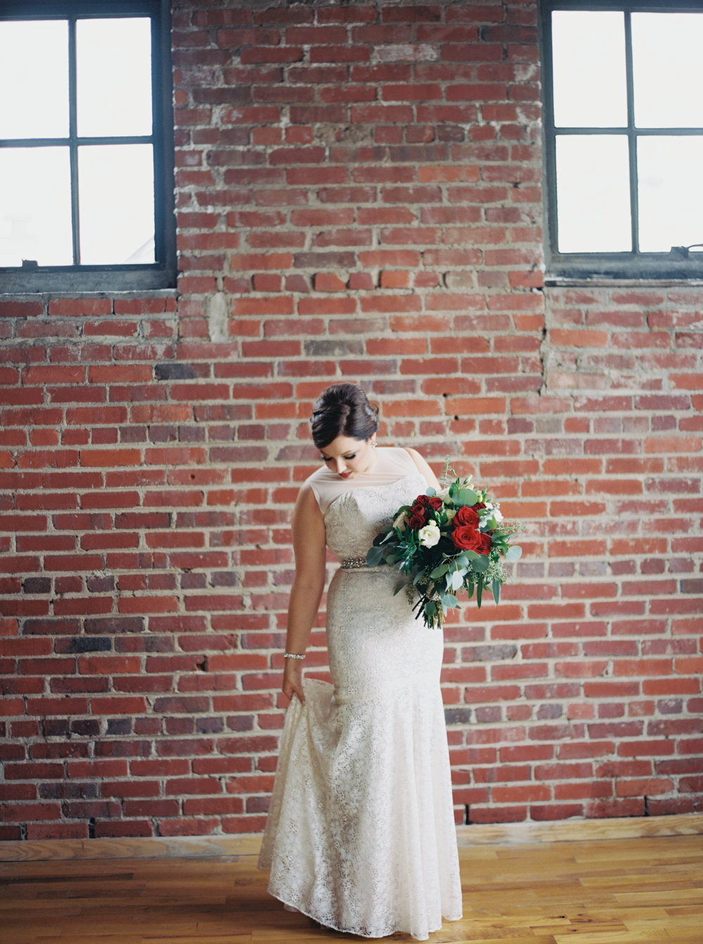 Jessica_Bryan_Wedding_Standard_Knoxville_Abigail_Malone_Photography-161.jpg