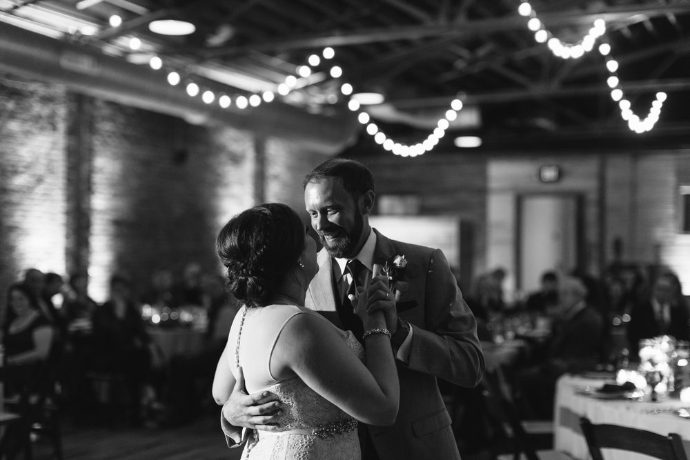 Jessica_Bryan_Wedding_Standard_Knoxville_Abigail_Malone_Photography-624.jpg