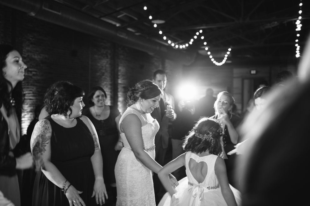 Jessica_Bryan_Wedding_Standard_Knoxville_Abigail_Malone_Photography-758.jpg