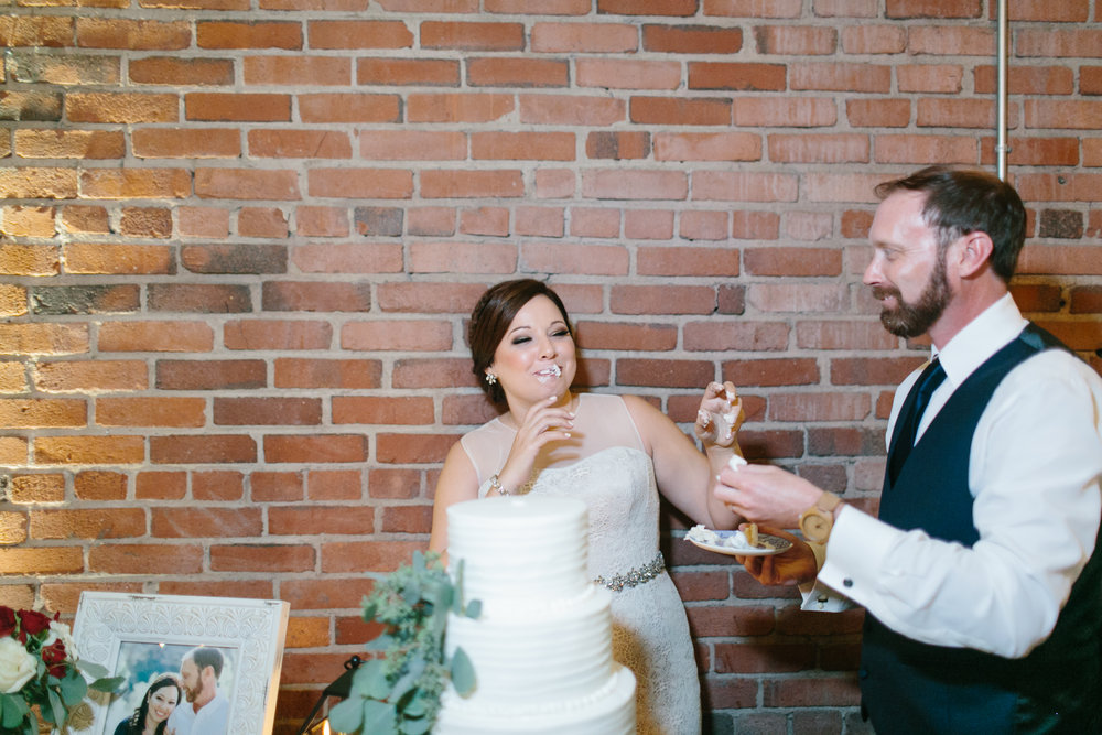 Jessica_Bryan_Wedding_Standard_Knoxville_Abigail_Malone_Photography-660.jpg