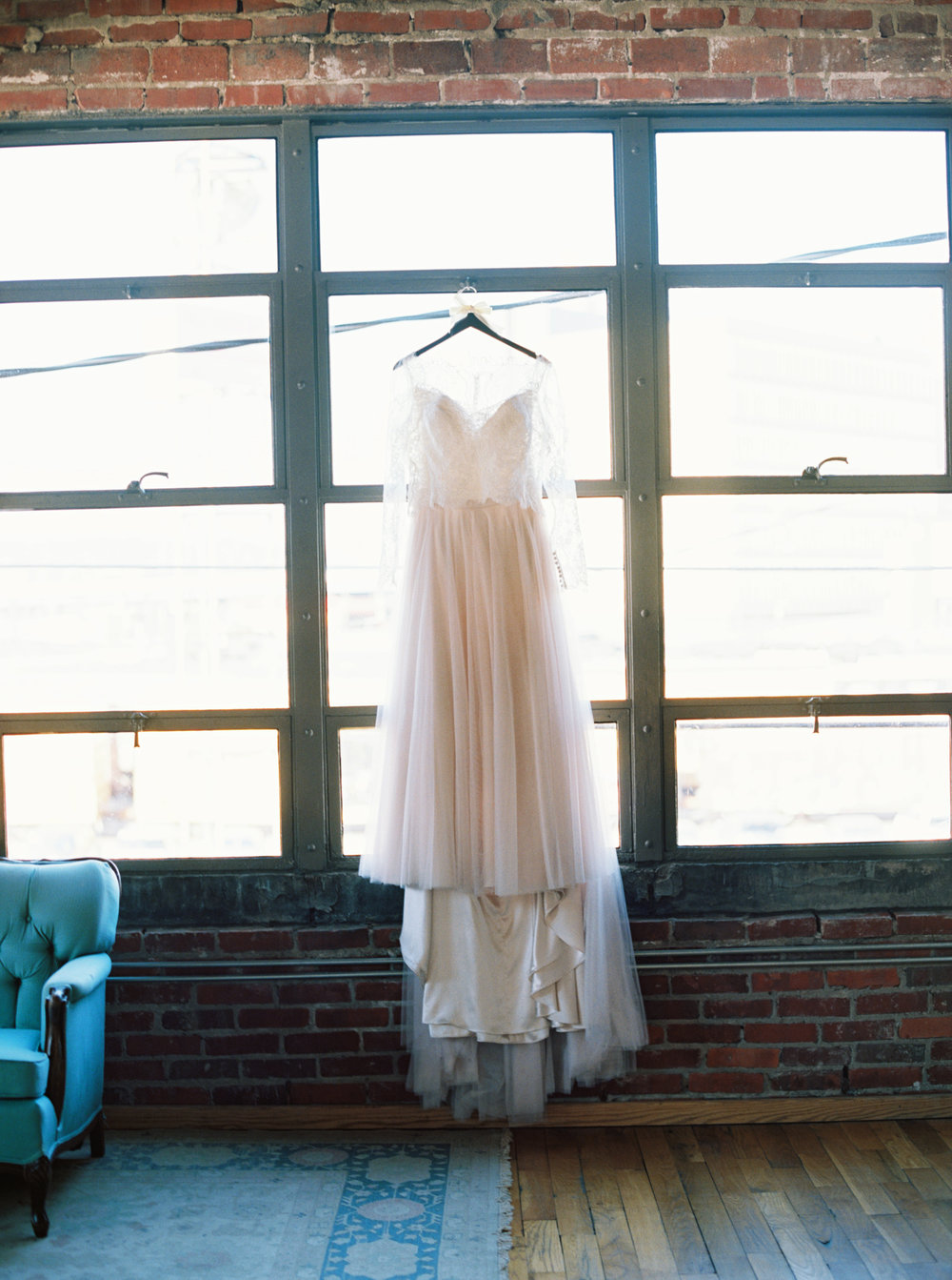 Lauren_Jeremy_Standard_Wedding_Knoxville_Abigail_Malone_Photography_FIlm-6.jpg
