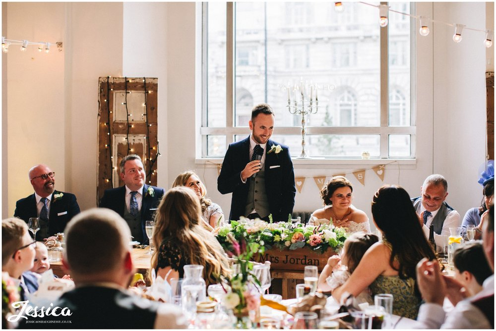 groom gives his speech at oh me oh my, liverpool wedding venue