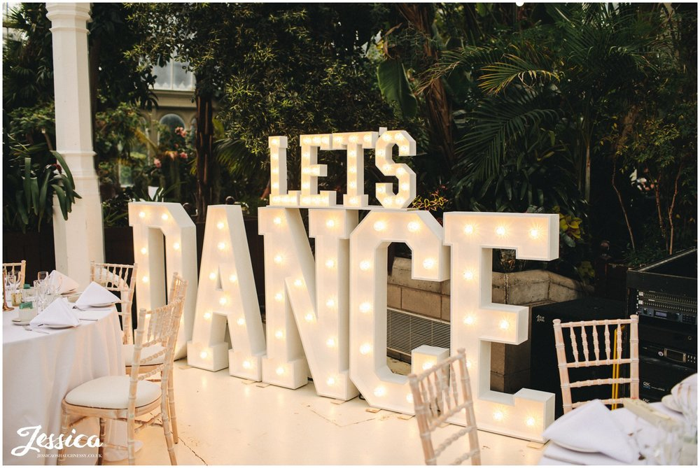 lets dance lighting sign