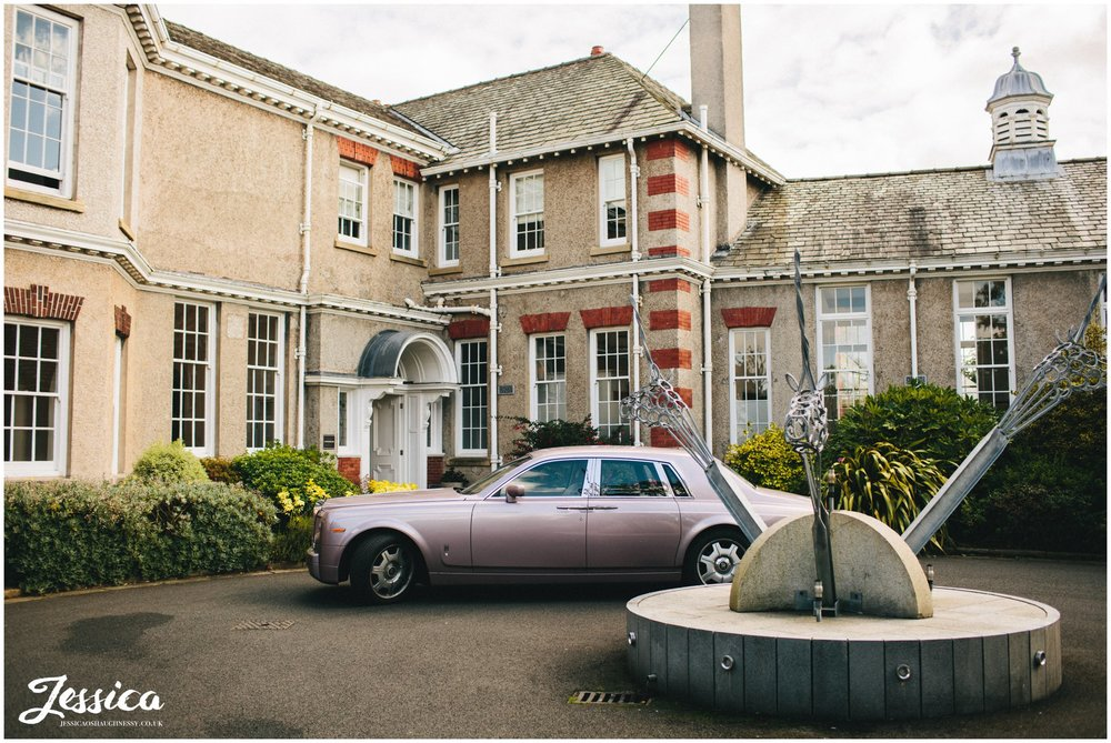 wedding car arrives at the leverhulme hotel, wirral
