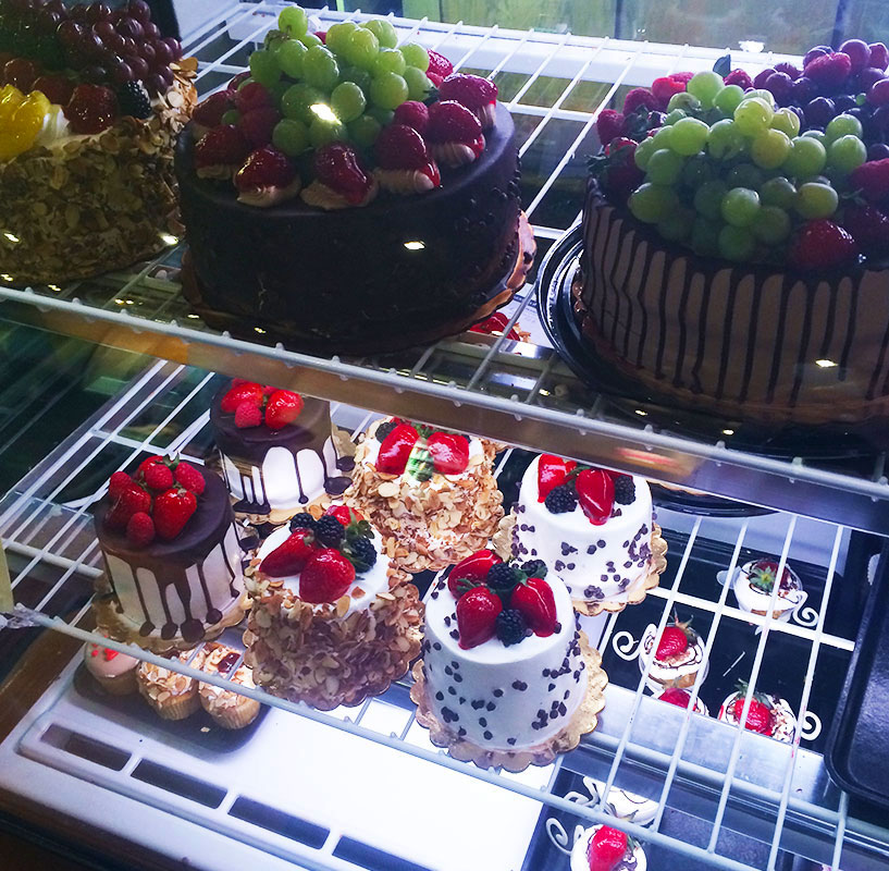 So delicious to look at. Next time I will be ordering my cakes from here.