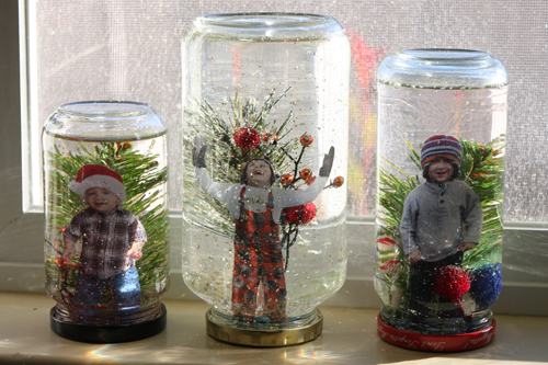 Kids-in-snow-globes-on-window.jpg