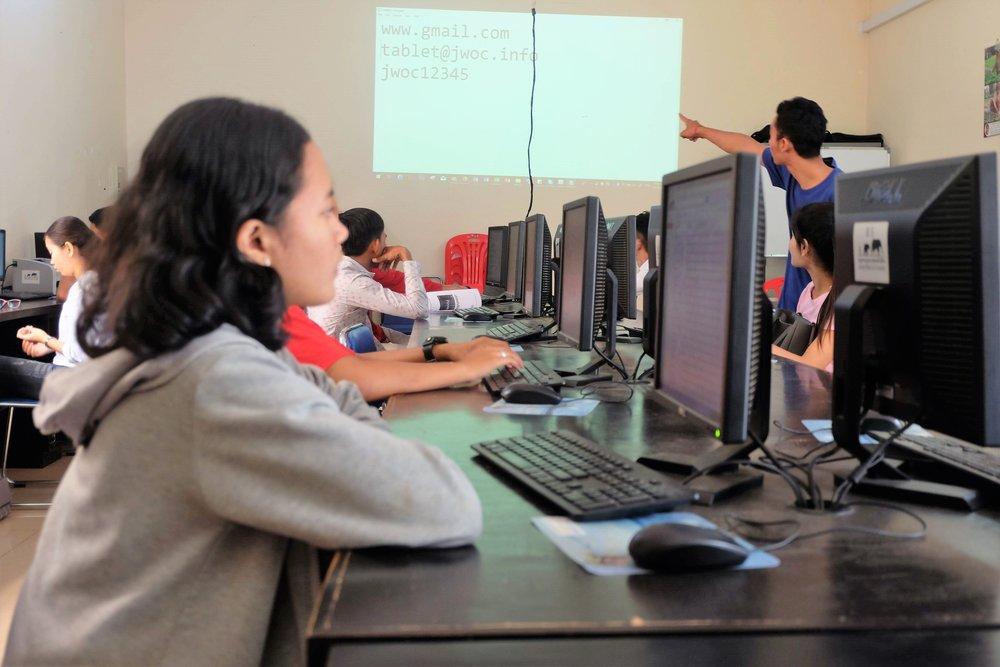IT Class 2.JPG
