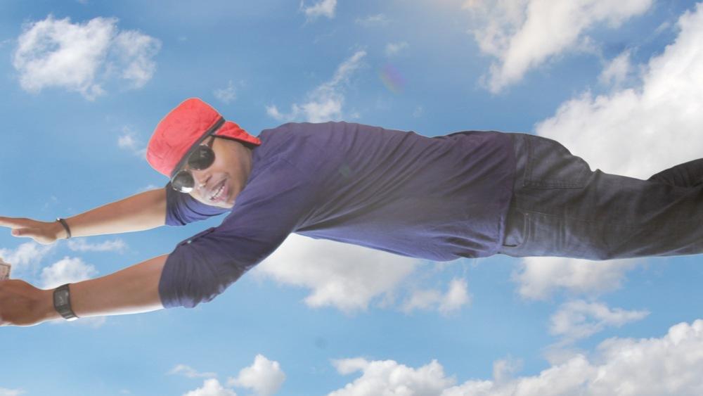 Eric Felix flying.