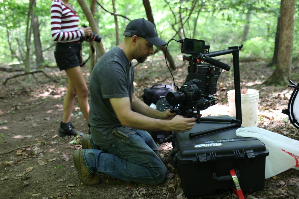 Balancing the good 'ol back killer Ronin with the C100 Mark II.