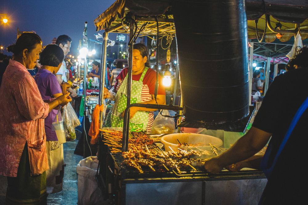 Chicken Street Food © ParithaWannawanit