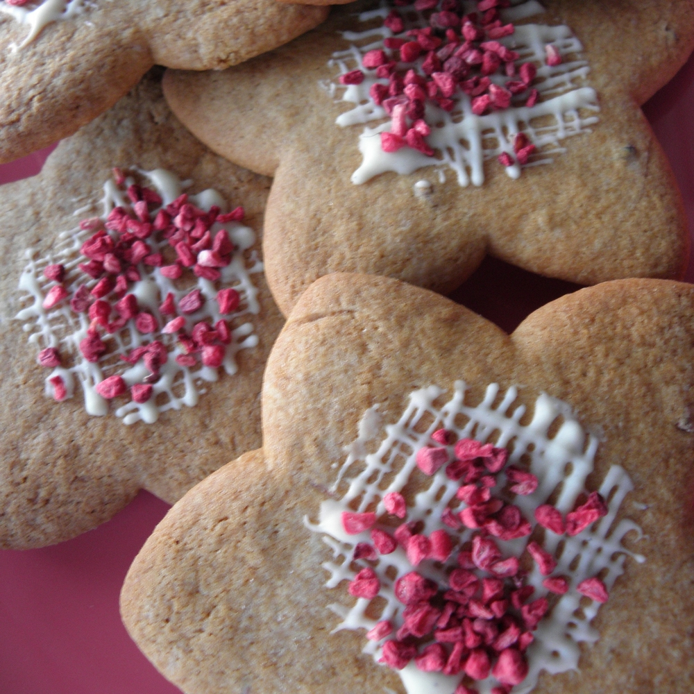 Rose-scented raspberry biscuits