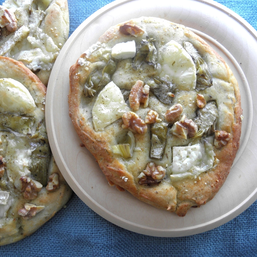 Cheese and artichoke flatbreads