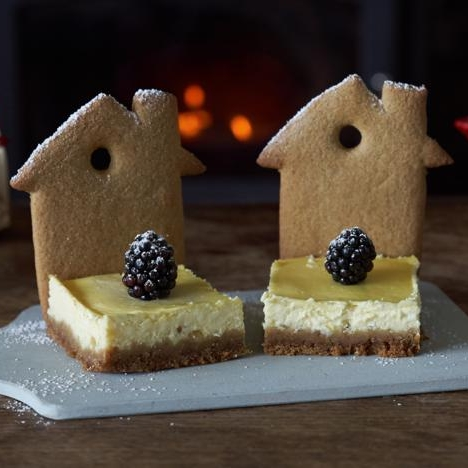 Gingerbread house cheesecakes