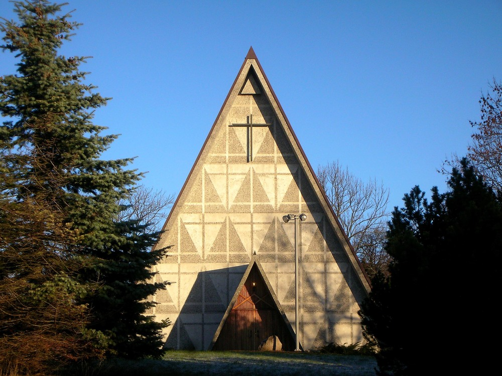 Bakkehaugen Church in the north suburbs of Oslo (Copyright David Castor)