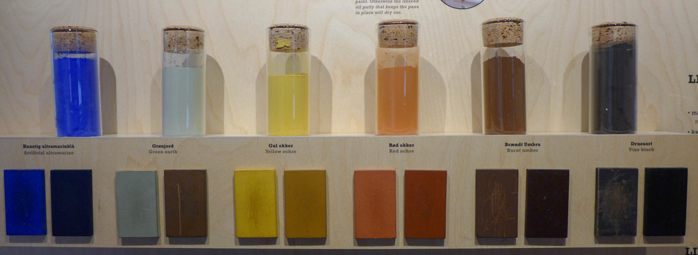 Information at the open air museum, Den Gamle By in Aarhus, about natural pigments used for historic paints