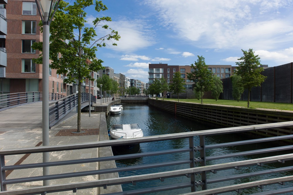 Sluseholmen and the new canal running between the apartment buildings that were constructed on new islands