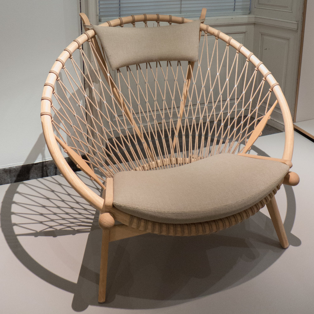 Cirkelstolen / The Circle Chair by Hans Wegner 1986 u2014 danish design review & Cirkelstolen / The Circle Chair by Hans Wegner 1986 u2014 danish design ...