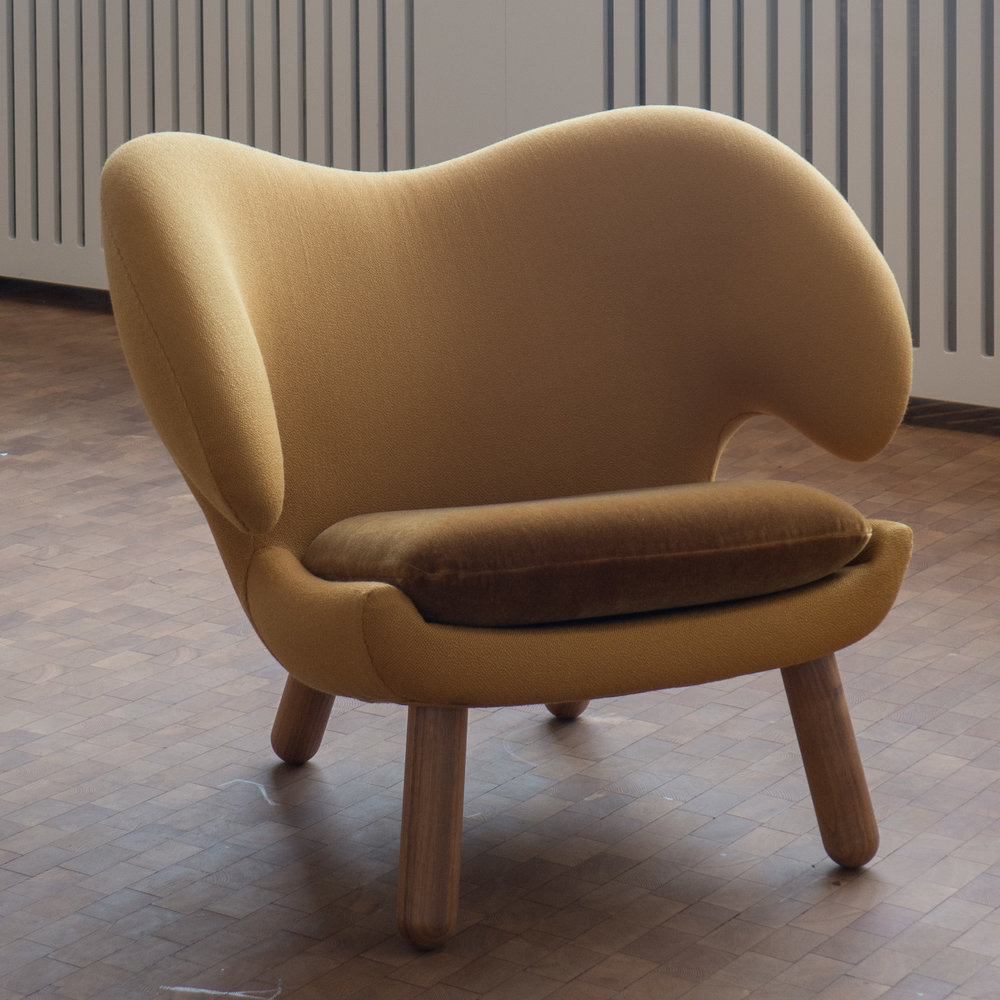 Finn Juhl (1912-1989) had trained as an architect at the Royal Danish Academy of Art and not as a furniture maker so his design for the Pelican Chair was ... & design classic: Pelican Chair by Finn Juhl 1940 u2014 danish design review