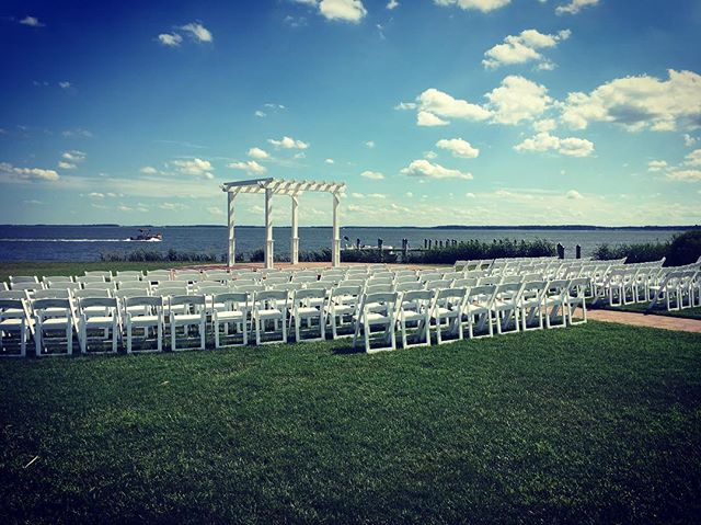 Outdoor wedding @ Rehoboth Beach Country Club! #tworiverschambermusic #delawareweddings #stringquartet