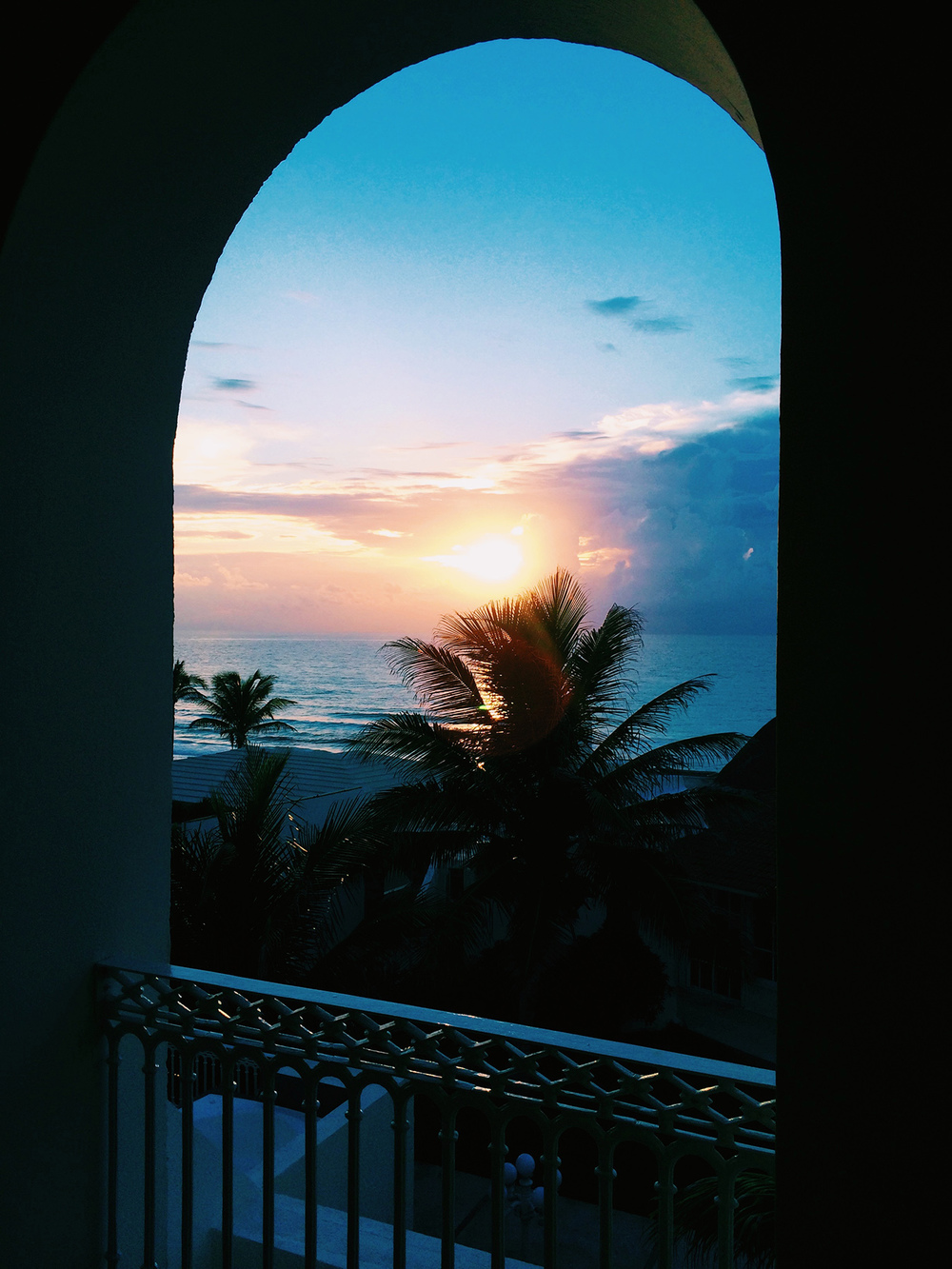 sunrise_cancun_whereisper.jpg