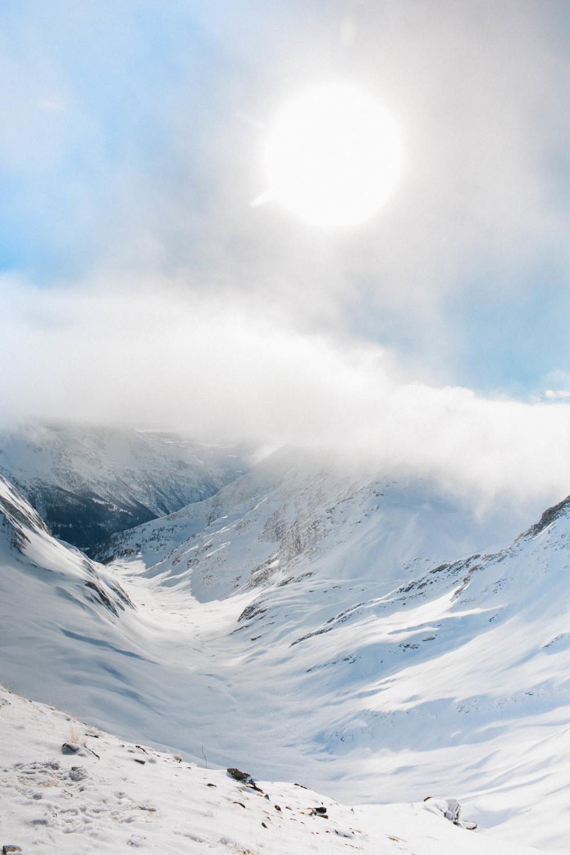 courmeyeur italy skiing