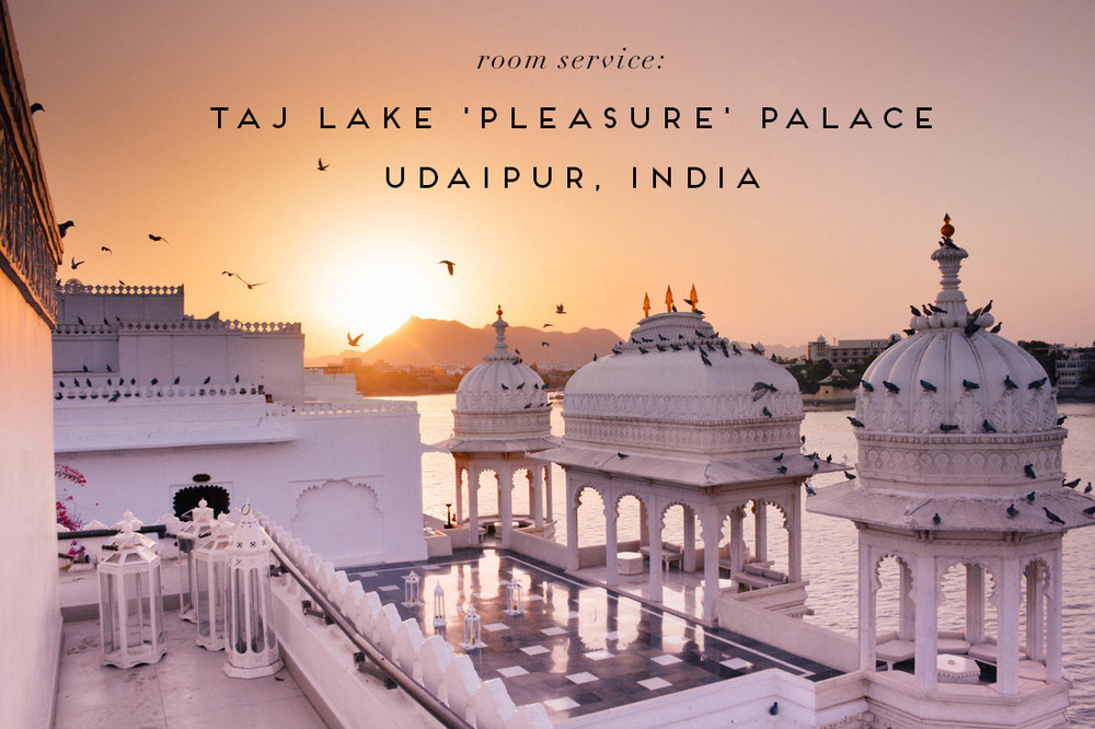 whereisper taj lake palace udaipur