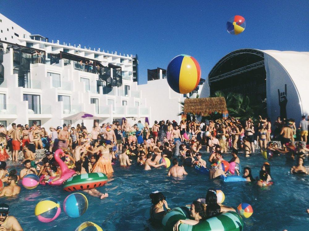 trivago On Tour Pool Party