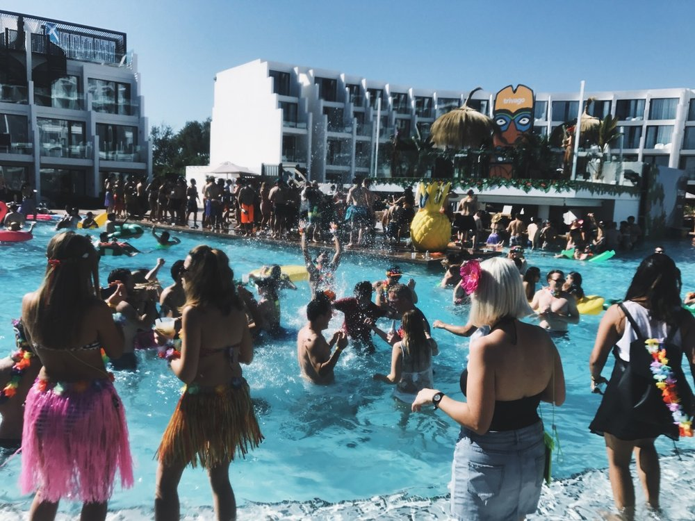 claptone trivago Pool party