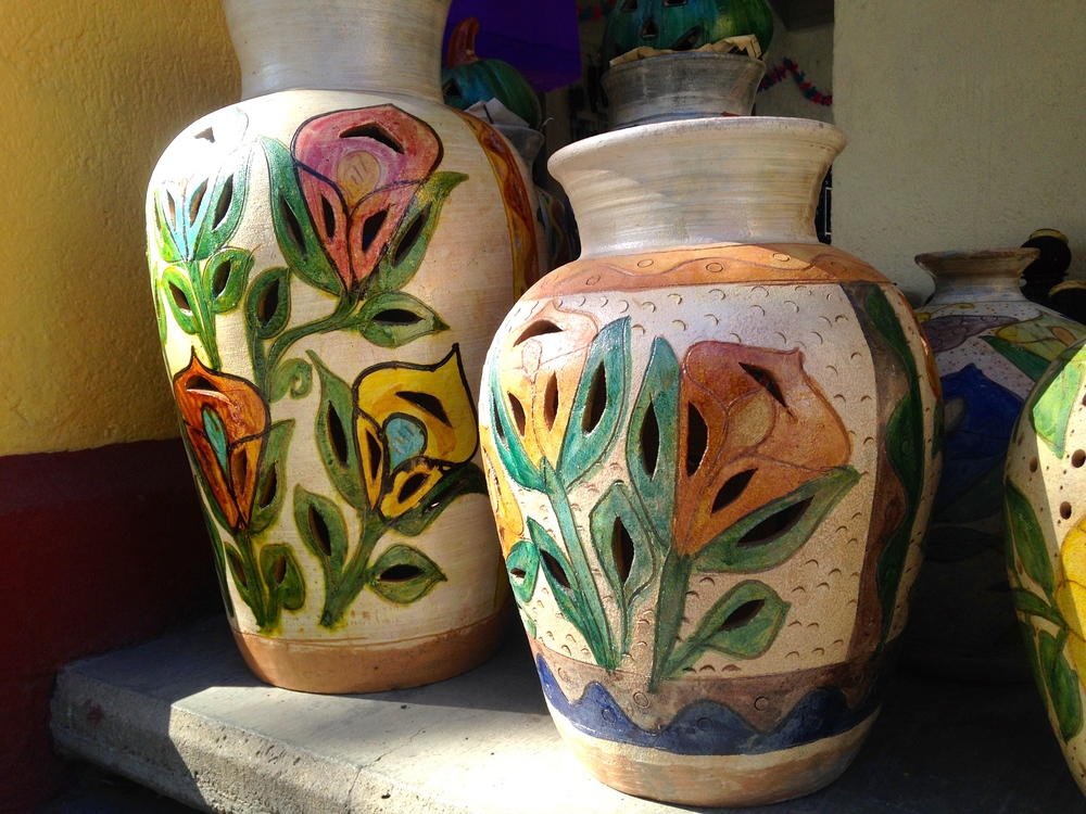 Handmade pottery at the Coyotopec artisan market