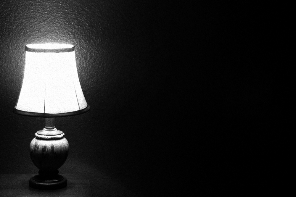 """Darkness into light"" von jasleen_kaur (Creative Commons 2.0 - adapted to bw), Flickr"