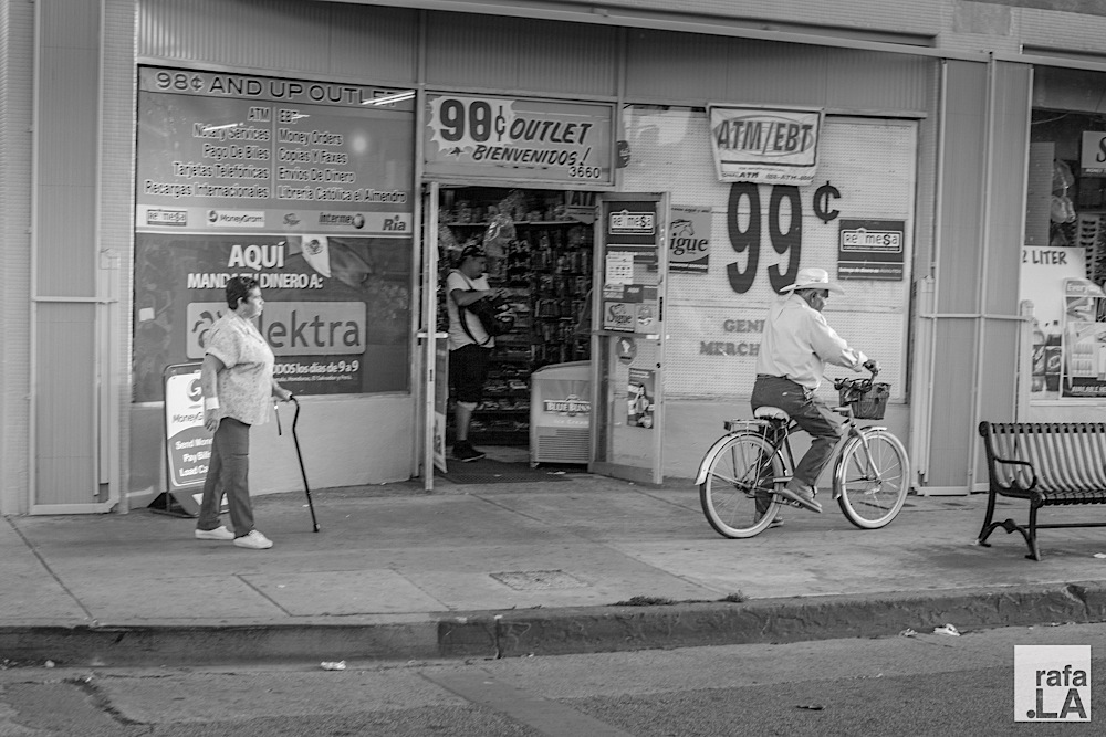 Ay te watcho, vieja!  April 09, 2014 - First Street Business District, East Los Angeles
